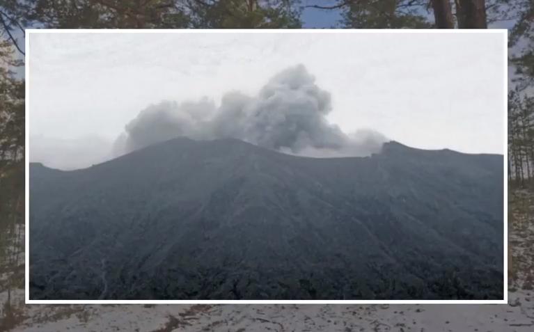 НаБали началось извержение вулкана Агунг