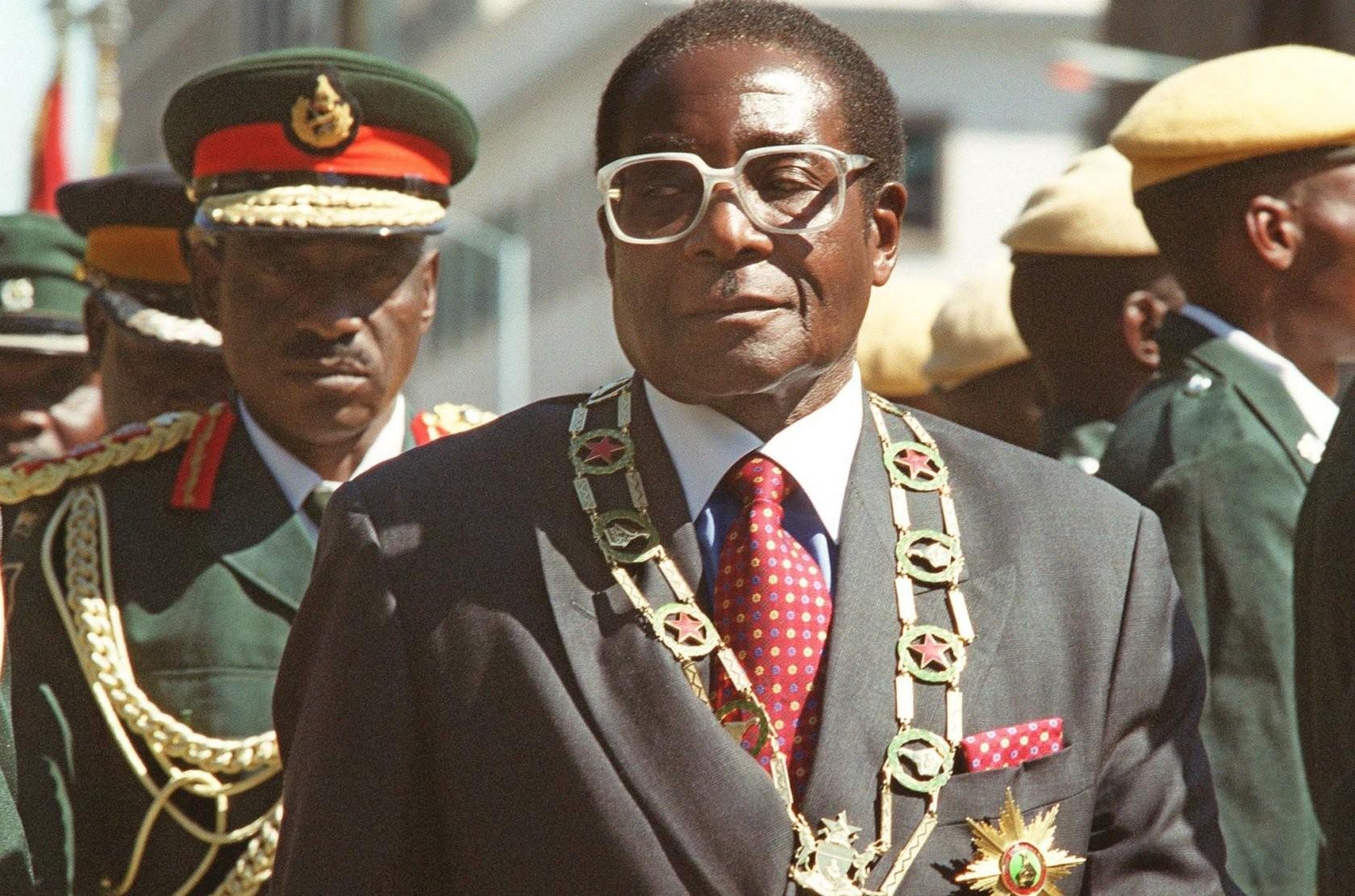 Президент Мугабе подал вотставку— Спикер парламента Зимбабве