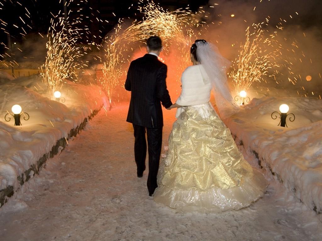 Нановогодние праздники в столице России поженятся десятки пар