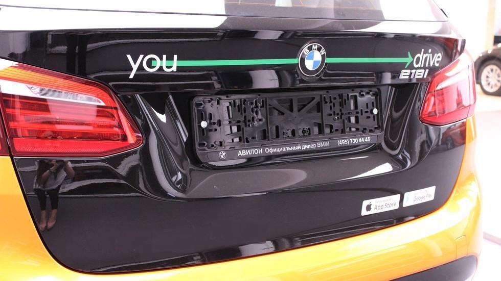Сто авто БМВ Active Tourer стали доступны впарке каршеринга YouDrive
