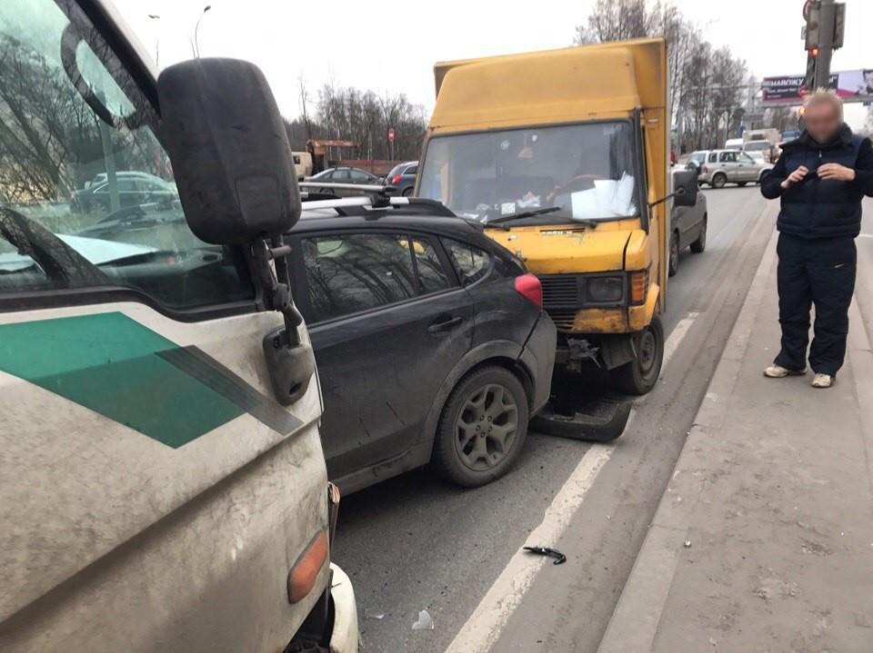 НаВыборгском случились три трагедии на8 машин— МЧС