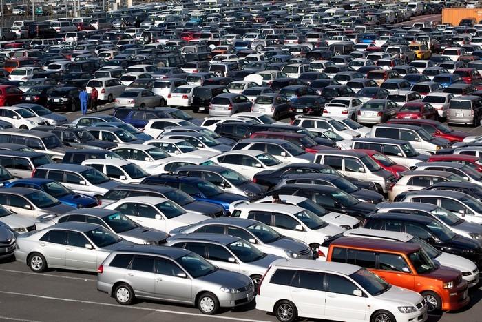 Русские  продажи новых легковых машин  за10 месяцев увеличились  на15%