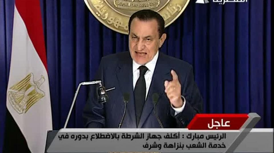 Президент Египта пообещал строго ответить натеракт вмечети наСинае
