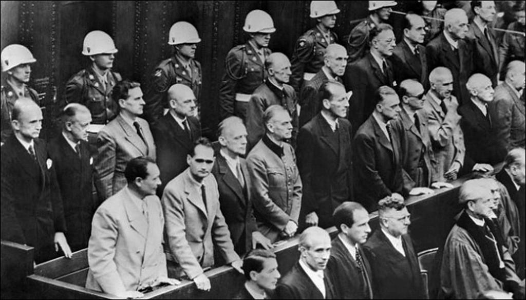 Нюрнбергский трибунал «реконструируют» отдыхающие вАртеке