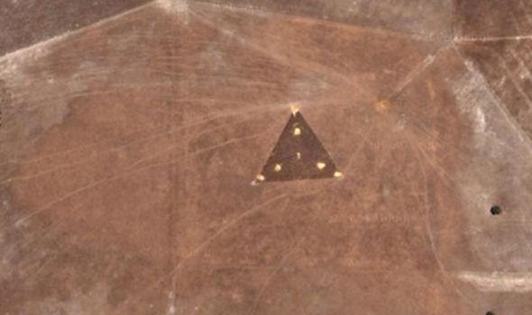 ВАвстралии уфолог нашел НЛО ввиде женской груди