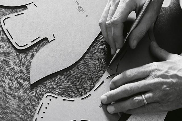 Вволгоградском шоу-руме выявили 170 поддельных пар обуви Louis Vuitton