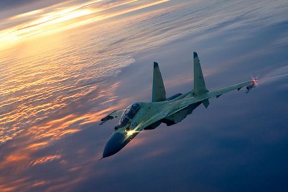 США сообщили, что русский Су-30 «подрезал» над темным морем ихсамолет