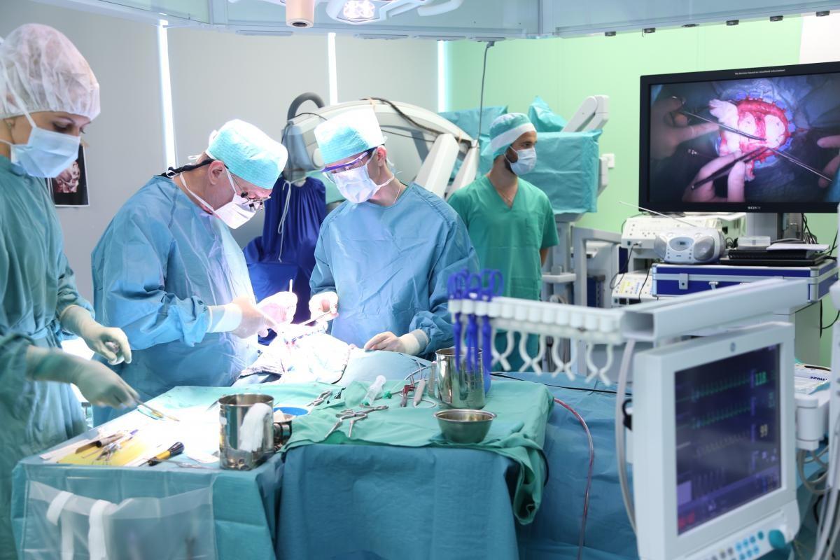 Тюменские нейрохирурги спасли ребенка изТобольска, сделав сложнейшую операцию