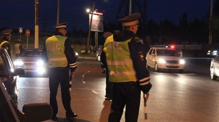 С1декабря водителей начнут облагать штрафом заотсутствие знака «Шипы»