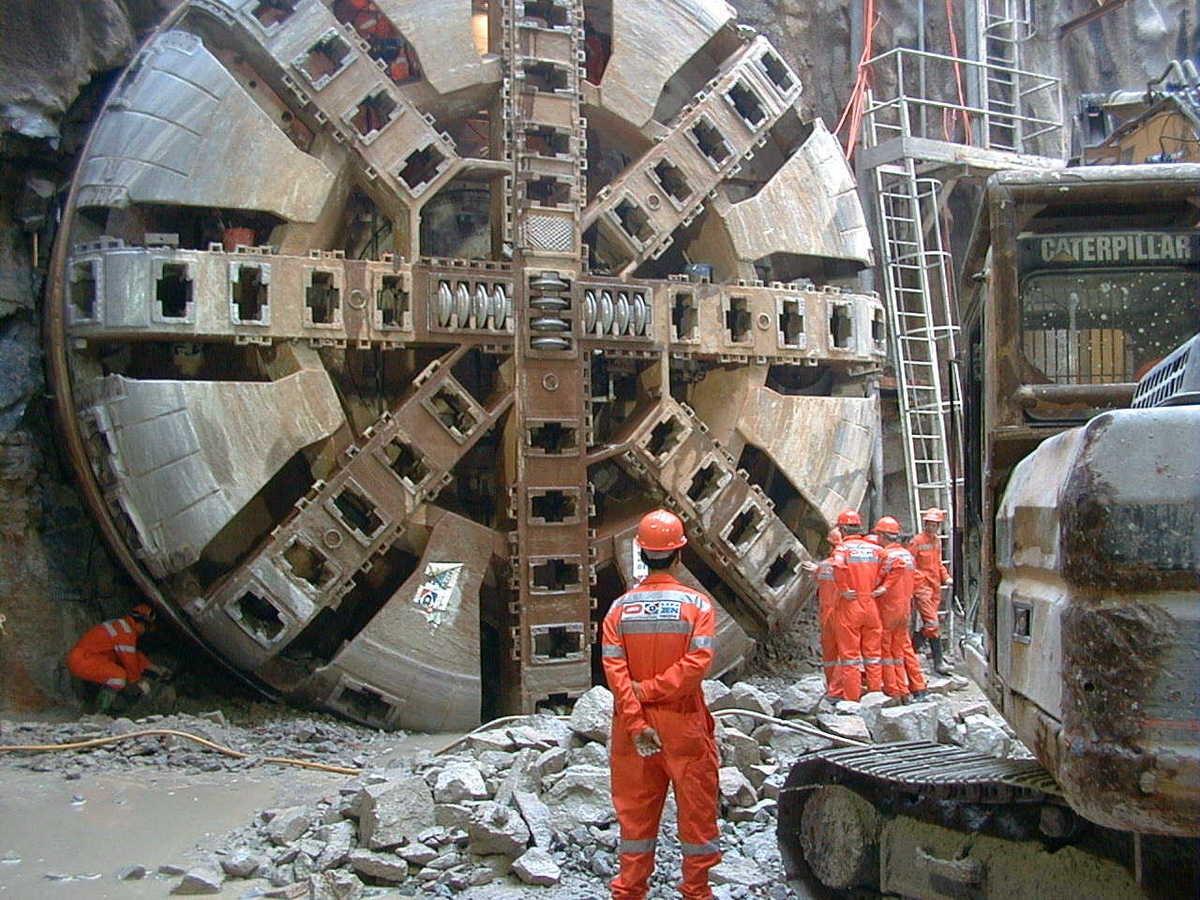 В столице России строят метро 33 тоннелепроходческих щита