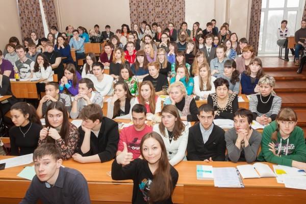 В школах и вузах России появится учебный курс по правам человека