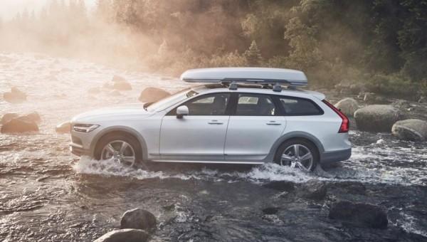 В 2018 году в Россию привезут специздание кроссовера Volvo V90 Cross Country