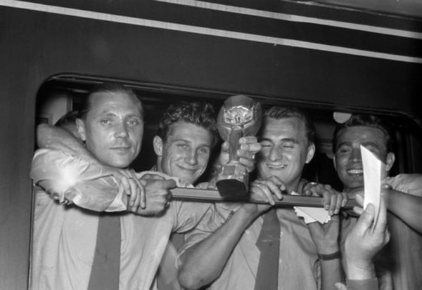 Ушел из жизни чемпион мира по футболу 1954 года Ханс Шефер