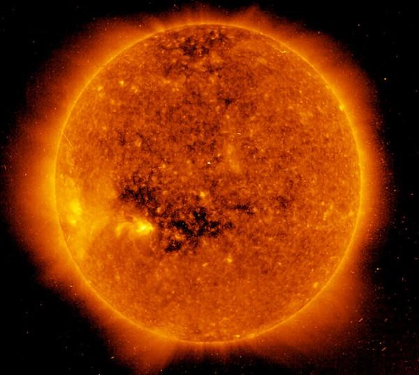 Ученые заметили полное исчезновение пятен на обращенной к Земле стороне Солнца