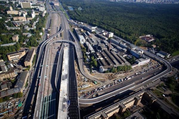 В Москве до 2020 года построят 80 мостов, тоннелей и эстакад