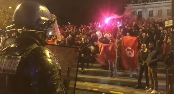 В беспорядках марокканских фанатов в Брюсселе ранены 22 полицейских