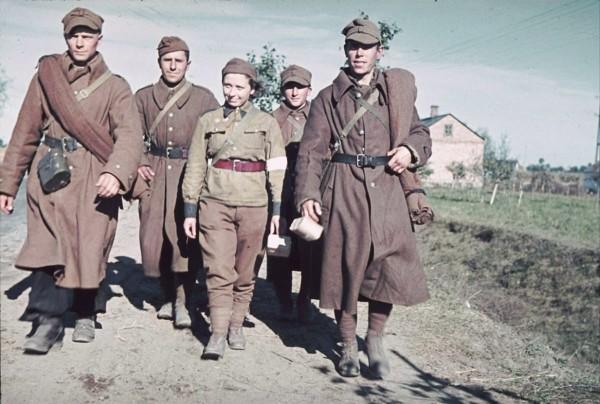 В РФ рассекретили документы о помощи в 1945 году Польше
