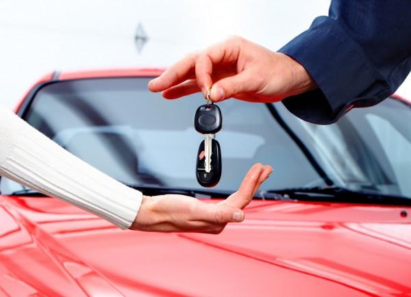Администрация Орска закупает три новых машины за 2 млн рублей