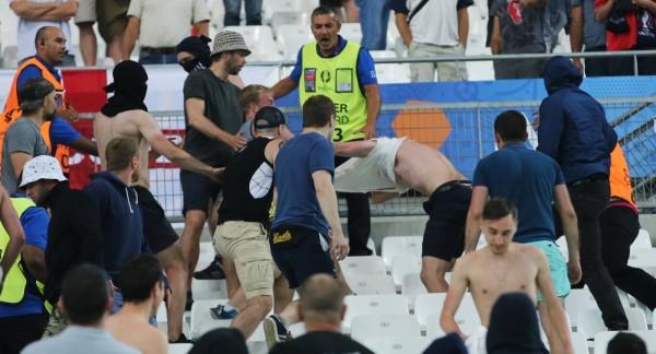 Драка между фанатами «Арсенала» и «Тоттенхэма» попала в Сеть