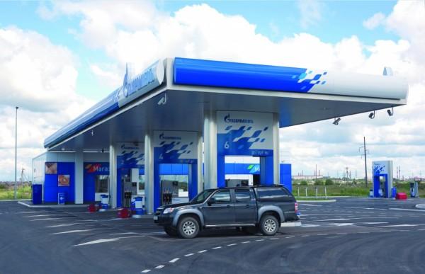 В 2018 году цены на бензин в РФ могут превысить 50 рублей