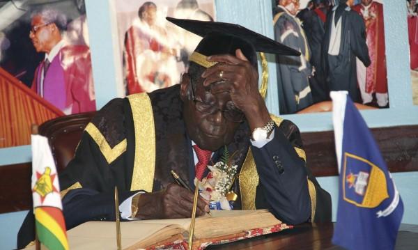 Reuters информирует  о согласии Мугабе уйти в отставку