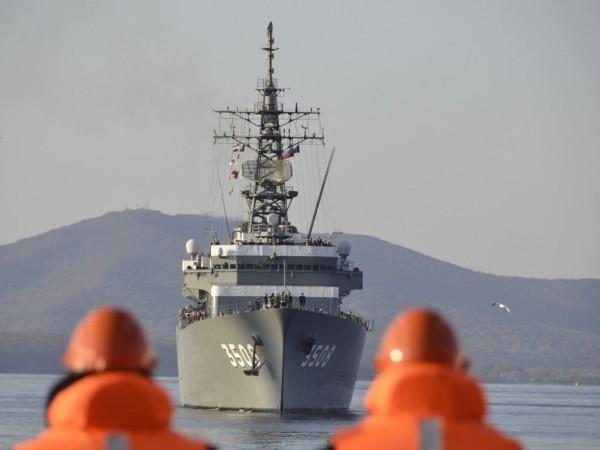 Во Владивосток для участия в учениях SAREX-2017 прибыл японский военный корабль