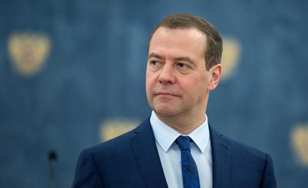 Медведев: В законе о НДД нужен баланс интересов нефтяников и бюджета