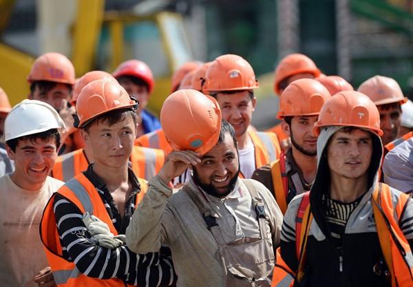 В Подмосковье подорожает трудовой патент для иностранцев