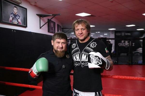 Рамзан Кадыров провел спарринг по боксу с Александром Емельяненко