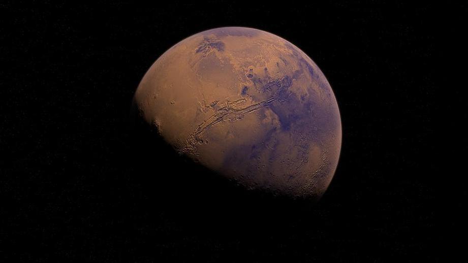 СМИ: грузовик Dragon отправится на МКС с 'возвращенной' ступенью