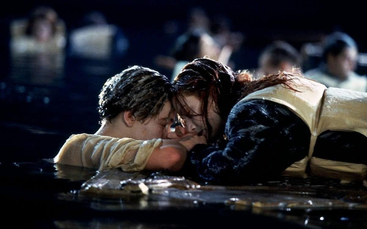 Кейт Уинслет повторила сцену из«Титаника» соСтивеном Кольбером