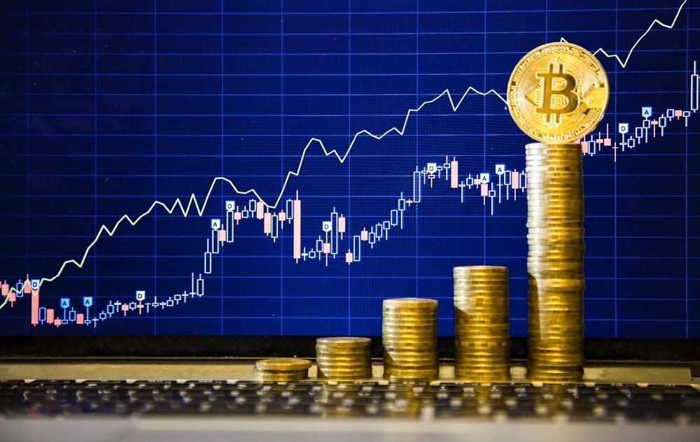 Биткоин оттеснил руб., став шестой покапитализации валютой мира