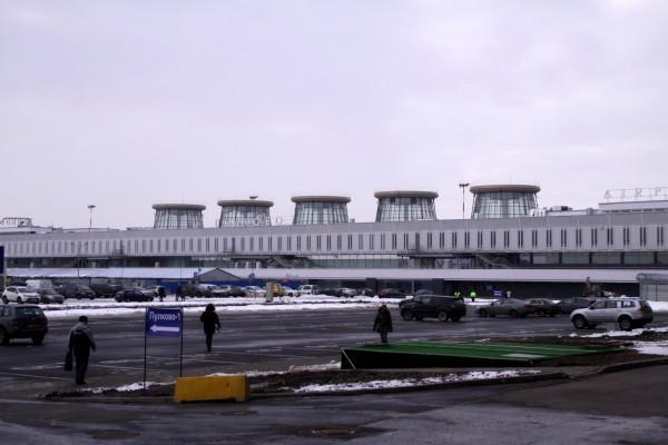 Ваэропорту Пулково возникла стоянка каршеринговых авто «Делимобиль»