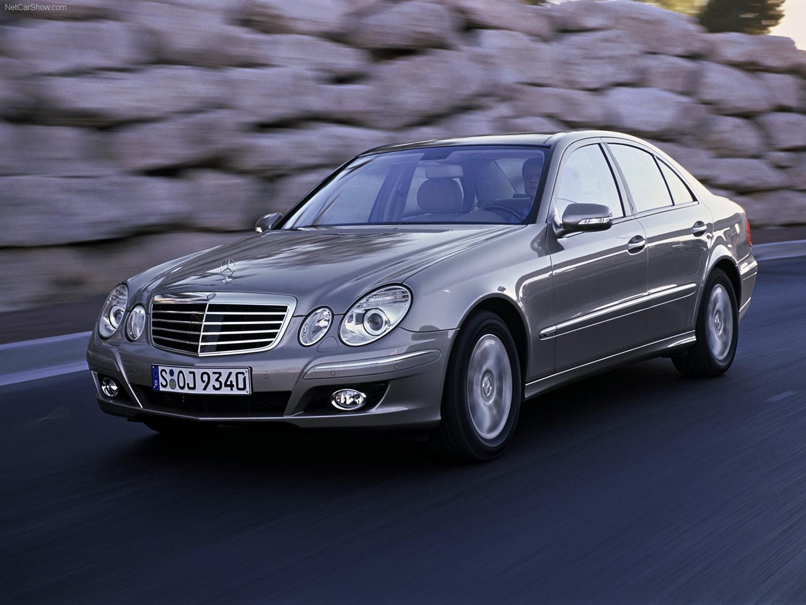 Mercedes отзывает практически 100 авто E-класса в РФ