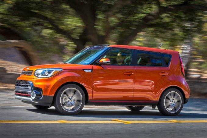 Названы самые безопасные авто 2017 года