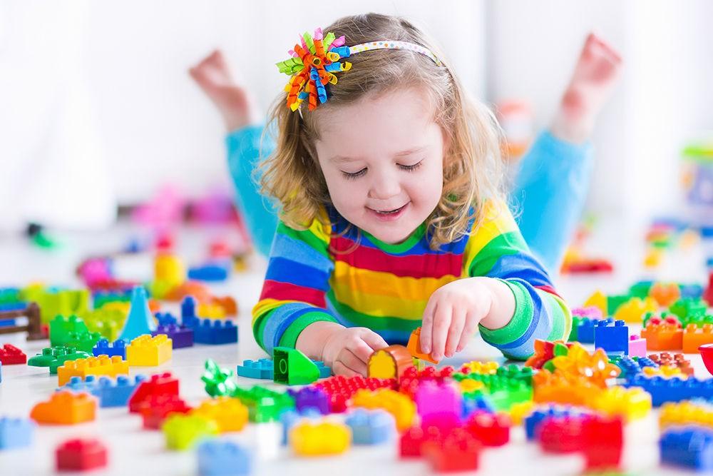 Учёные США поведали об небезопасной для развития детей особенности игрушек