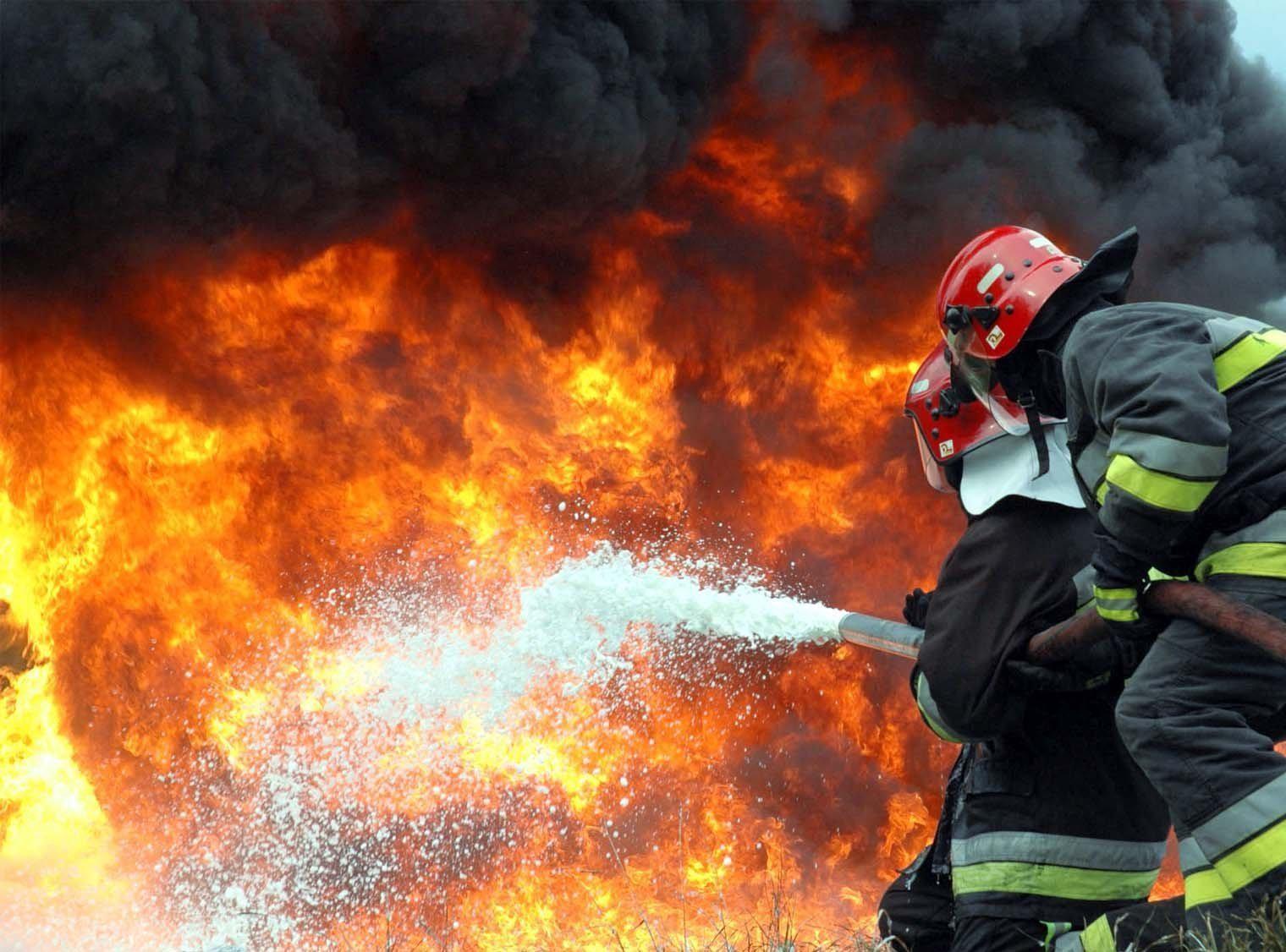 Пожар площадью 400 кв. мпроизошел в коммерческом комплексе вОдинцовском районе