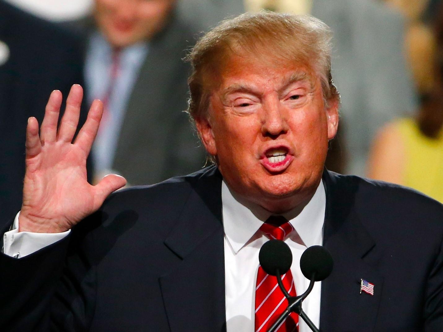 Новые санкции вотношении РФ одобрил президент США