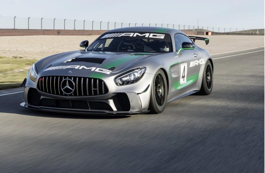 Специалисты испытали натреке новый Mercedes AMG GT4