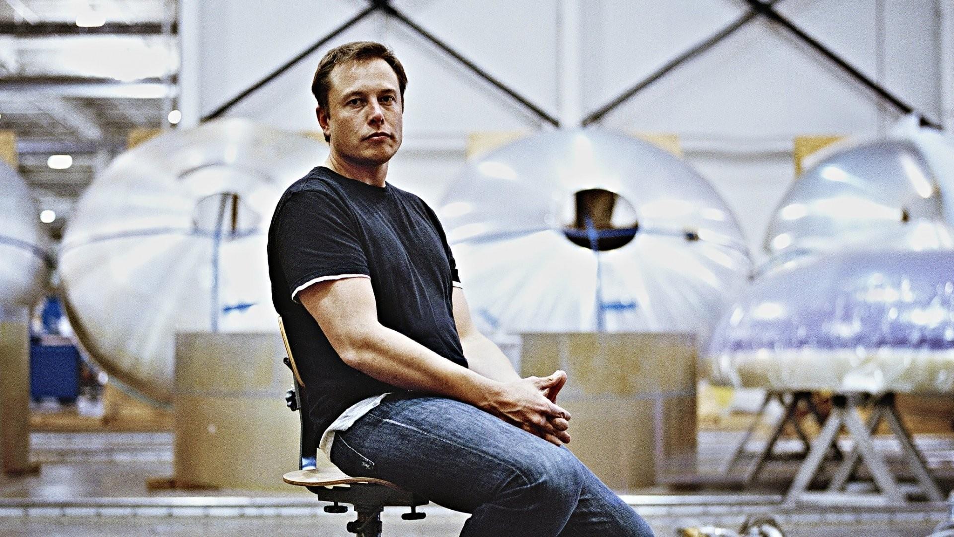 Американский миллиардер Илон Маск хочет производить огнеметы для детей