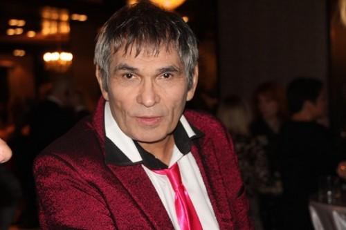70-летний Бари Алибасов объявил оскорой женитьбе на популярной писательнице