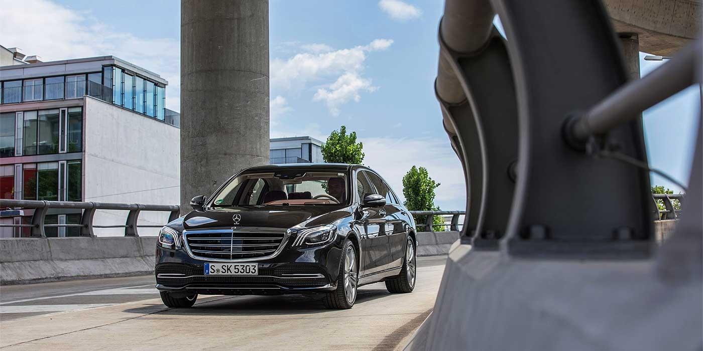 Рынок машин премиум-класса в Российской Федерации растет— Цена икачество