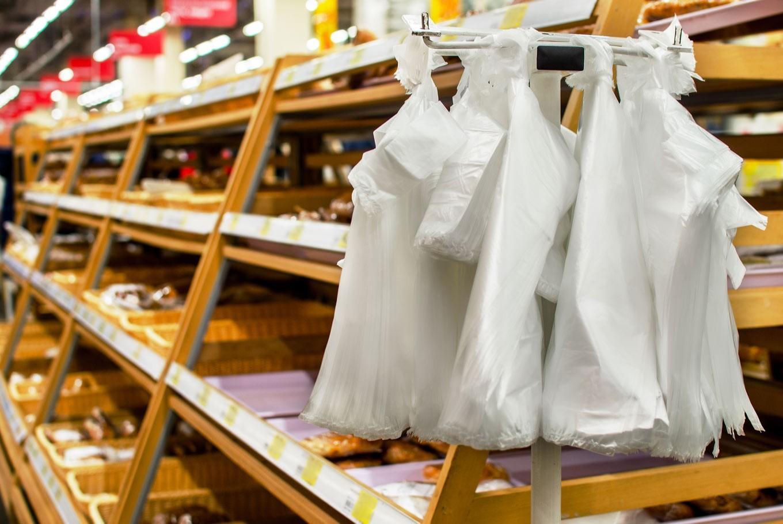 Руководство собирается убрать пластиковые пакеты измагазинов