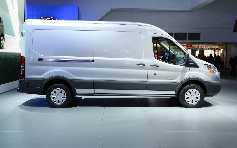 Форд Sollers выпустила спецверсию Transit для таможенников