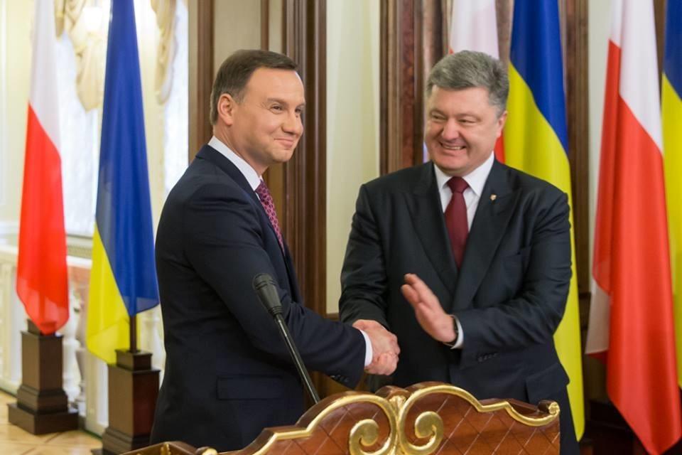 Президент Польши поддержал позицию Украины повведению миротворцев вДонбасс