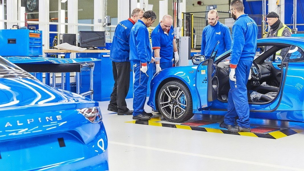 Возрожденный Альпин начал производство спорткара A110