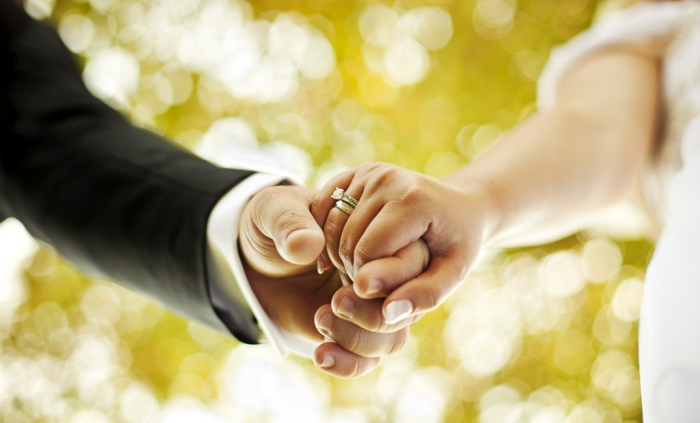 Севастополь занял первое место в РФ поколичеству заключенных браков