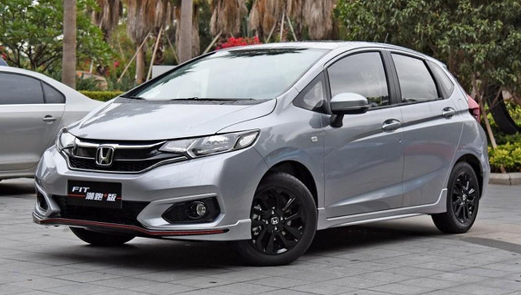 Улучшенный Хонда Fit 2018: известны цены икомплектации