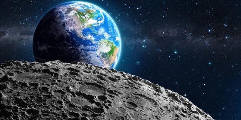 Ученые: Наповерхности Луны найдена шестигранная пирамида