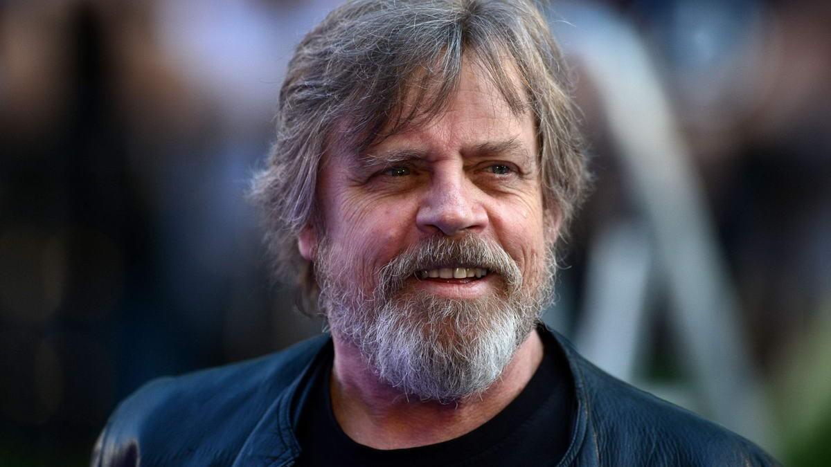 Марк Хэмилл сыграл две роли в кинофильме «Звездные войны: Последний джедай»